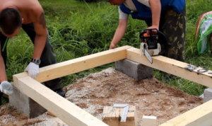 опоры для дачного деревянного туалета