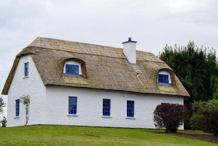 Экзотические и экологичные материалы для создания крыши дома