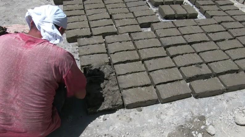 Аутентичный дом из глиняных кирпичей — как строят Таджики
