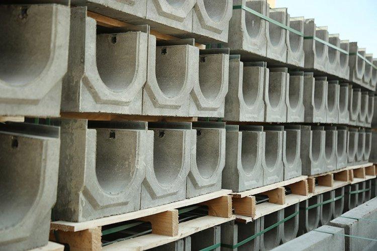 водоотводные лотки бетонные с решетками